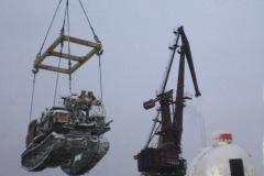 Перегруз буровой в порту Красноярска